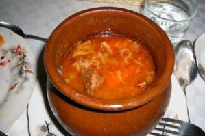 ウズベキスタンの肉の壺煮