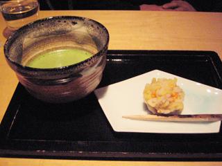 抹茶に和菓子