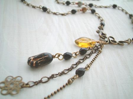 ヴィンテージチューリップのネックレス