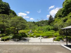 meigetsuin-garden.jpg