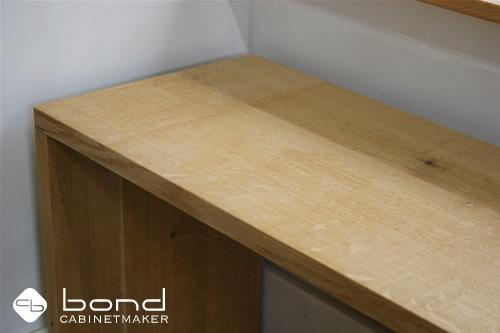 北海道産の無垢、楢のキャビネット 京都の家具屋キャビネットメーカーボンド