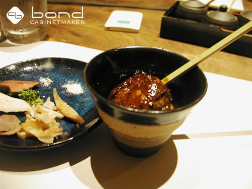 2009 美容室ボンド西田氏主宰 祇園の地鶏料理屋にて 鴨肉のつくね