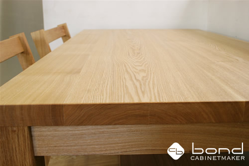 北海道産のタモのダイニングテーブル 、オイル仕上げ