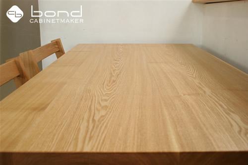 北海道産のタモのテーブル オイル仕上げ