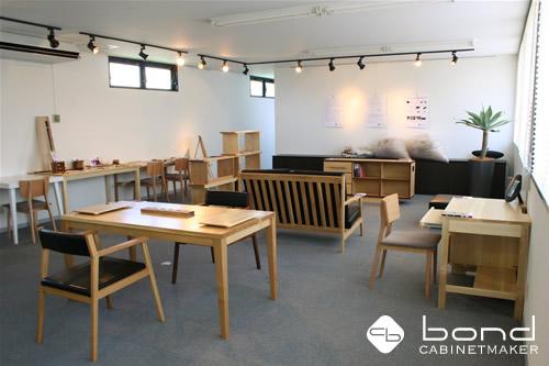 福山市での個展 キャビネットメーカーボンドの『家具づくりを通してボクたちが伝えなければならないこと』展の個展会場 0816
