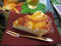 Hちゃん作:桃のケーキ