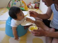パパに離乳食