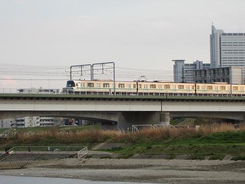 多摩川 9