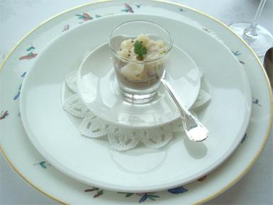 レンズ豆のプレと、粒マスタード風味の帆立のタルタル