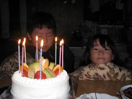 2008.10.03-ケーキを前に