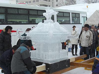 12 2/11 氷の神輿