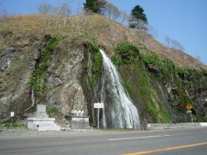 フンペの滝