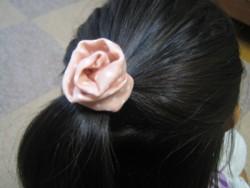ふんわりローズ髪飾り2