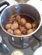鳥肉と卵の煮物