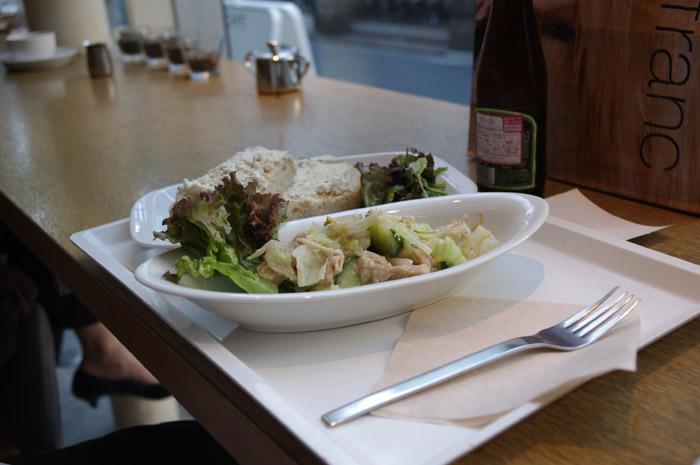 豆腐のディップにバンバンジーサラダ