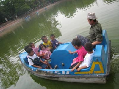 動物園でボート1