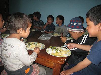 食事用の部屋2
