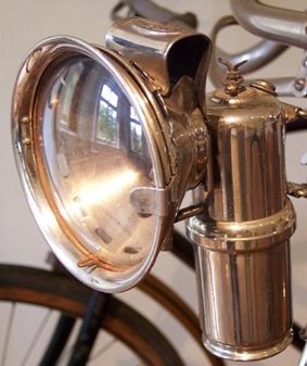505px-Carbide_lamp_on_a_bicycle.jpg
