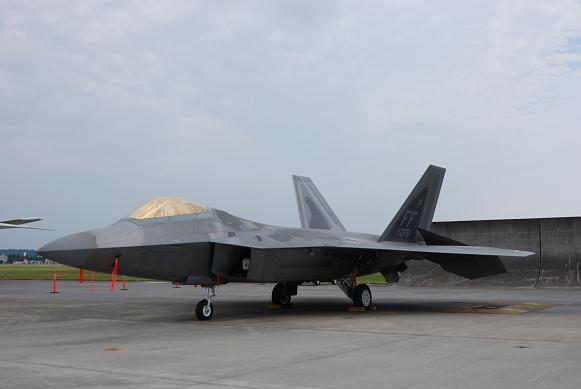 F-22-1.jpg