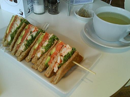 シーフードクラブサンドイッチ