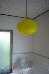 黄色いライト