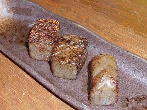 2008921コンニャクのさいころステーキ