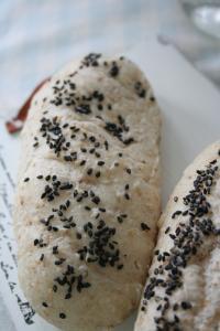 全粒粉ごまパン1