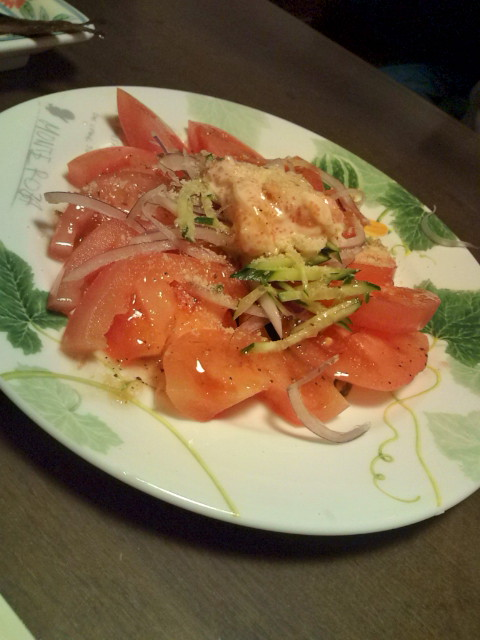 ぷりぷり海老と新鮮トマトのサラダ