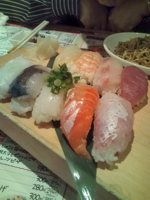 お寿司盛り合わせさくら