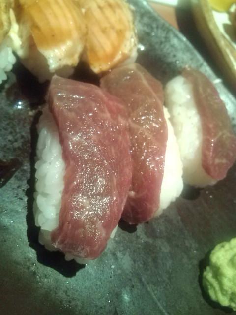 馬刺し寿司だよ