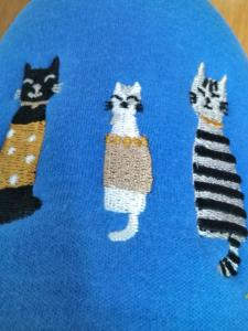 かわいい猫の刺繍が