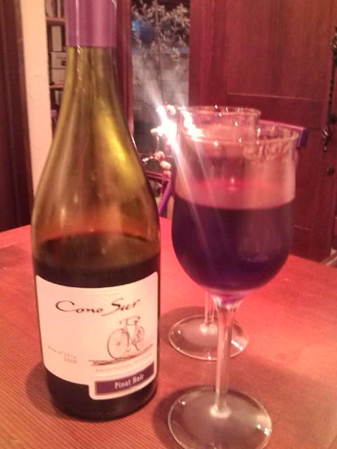 ワインボトル入れました。