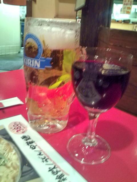 新撰組にて生ビールと赤ワイン