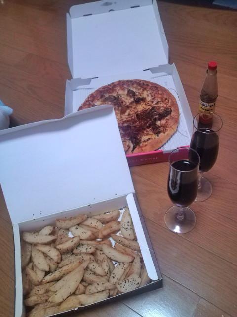 ワインで乾杯~ピザ
