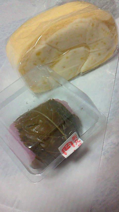 道明寺とマロンロールケーキ