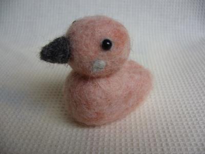 ピンクの小鳥