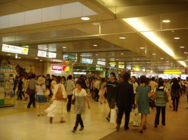 tachikawa_station.jpg