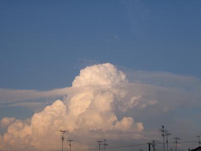 ちょーと、やばそーな雲
