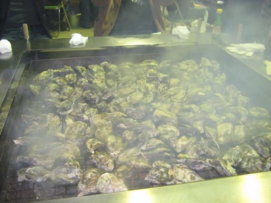 かまくら牡蠣焼き上がり