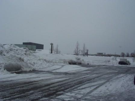 雪だらけの駐車場