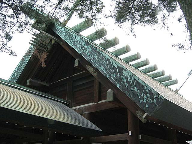 熱田神宮本宮神明造り銅板屋根