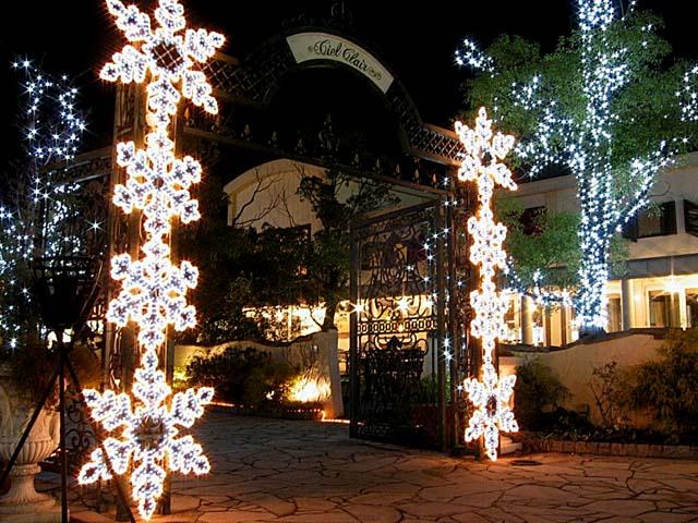 ショッピングモールのクリスマスイルミネーション