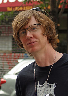 220px-Thurston_Moore_at_the_Brooklyn_Book_Festival.jpg