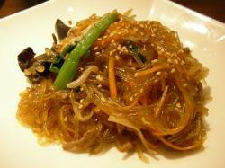 Korean_cuisine_japchae.jpg