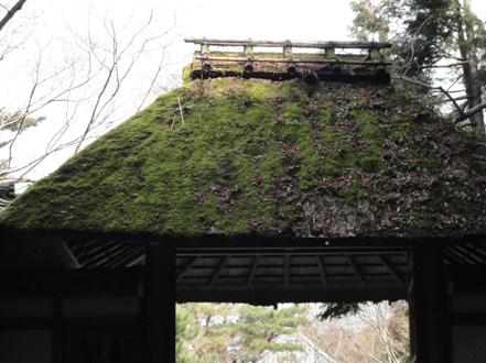 法然院茅葺の山門