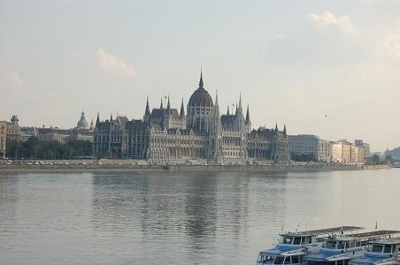 parliament1012.jpg