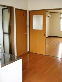 大澤ビル201 玄関から居室_280