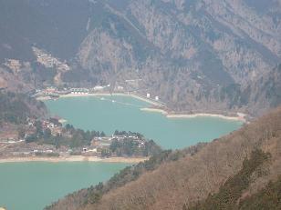 小河内ダムを見下ろす