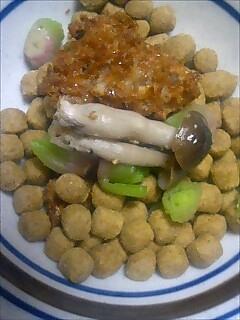 ある日の晩御飯 ビフカツ しめじ 青梗菜