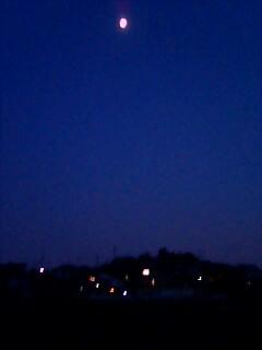 空のお月様と夜景